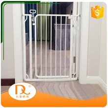 Hot sale steel tube white retractable extension baby safety fence