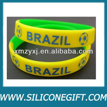 2 x BRAZIL FOOTBALL SOCCER WORLD CUP SILICONE WRISTBANDS BRACELETS New