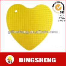 Heart shape Heat resistant silicone pot holder