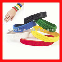 2013 wholesale custom adjustable silicone wristbands for men