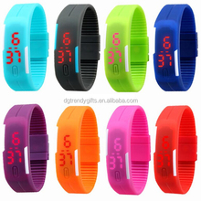 Only USD258 DHL Free Shipping To USA/Italy /Germany 300PCS / Lot Thin Silicone Led Sport Digital Watches Relojes Accept Paypal