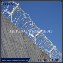 wire fencing Concertina Razor Barbed Wire Manufacturing