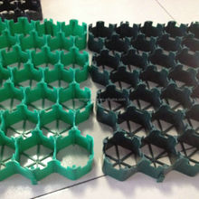 Dark Green And Light Green Grass Plastic Grid With Factory Price
