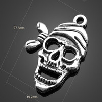 Yiwu factory jewelry wholesale hot sale custom made Pirate captain skull pendant