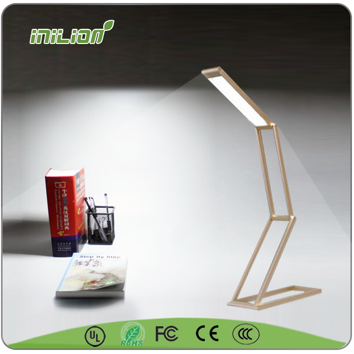 Folding type eye-protection OLED reading lamp for children