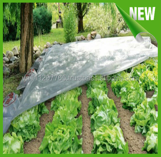 Greenhouse non-woven cover with reinforced edges for agriculture