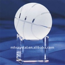 Solid Crystal basketball with base MH-8183