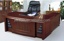 classical luxury office desk toys