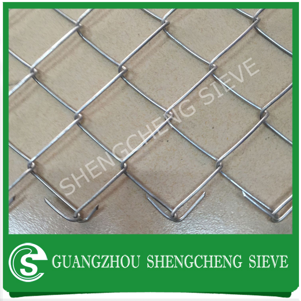 Playground pvc chain link mesh roll soccer field fencing