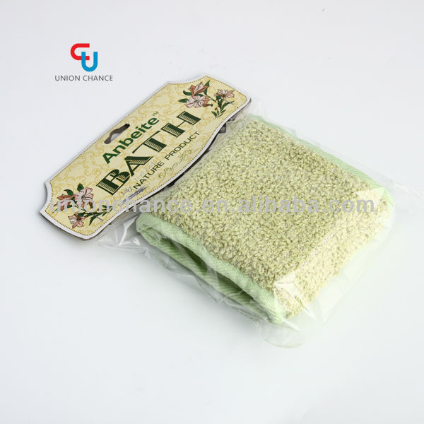 Mesh bath cleaning pad