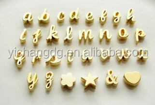 China manufacturer wholesale custom stainless steel jewelry Gold Initials Script Letter Heart Charm