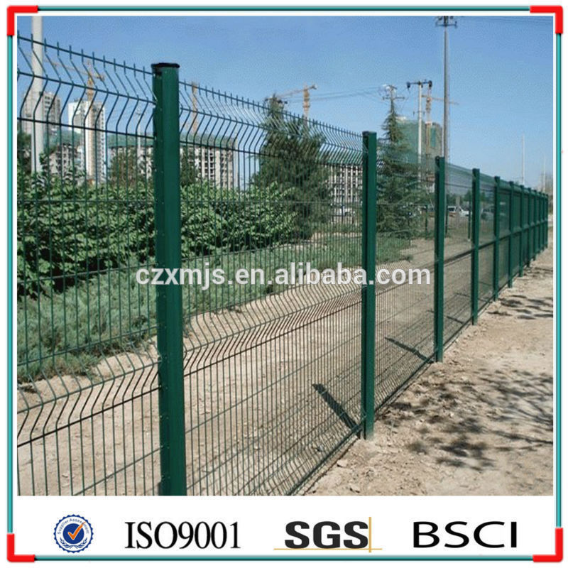 China 3D Garden Fence Galvanized Steel Deer Flat Panel Fence Poles Gates