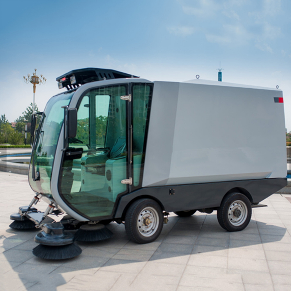 High-efficiency electric road cleaning car