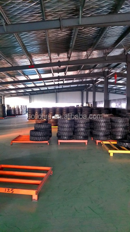 33x6x11 solid tire