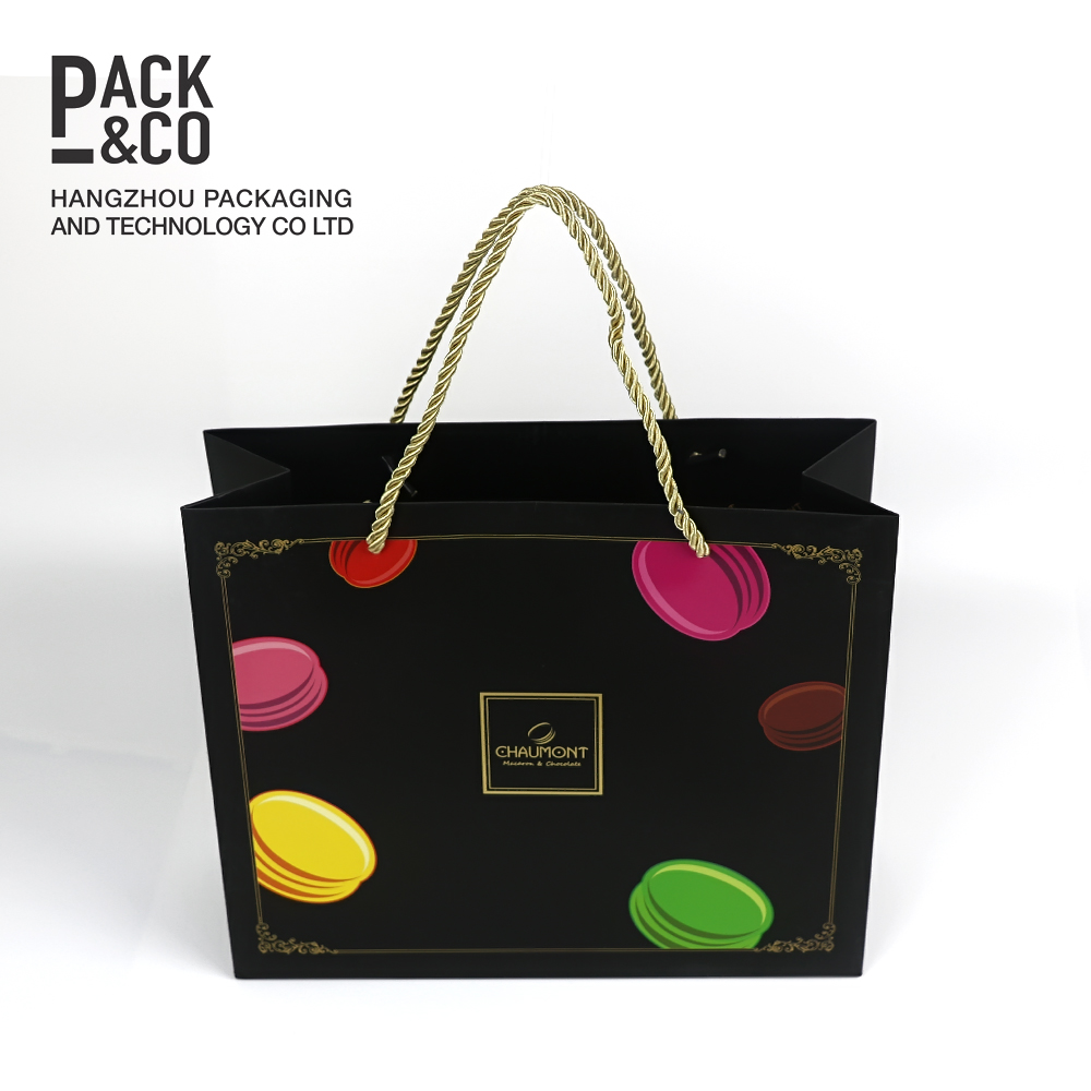 Foldable gift shopping clothes packaging custom printing rope paper bag