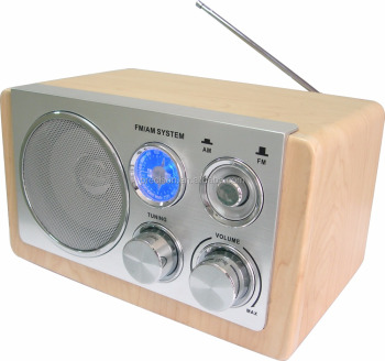 AM/FM wooden radio with speaker