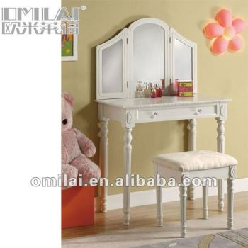 wooden mirrored dressing table