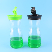custom logo imprinted unbreakable plastic 0.5 liter half wine carafe with screw lid and clip lid optional