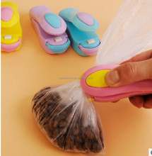 Household portable travel mini - food preservation sealing machine hand - pressure snacks plastic bags small heat sealing machin