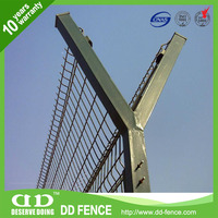 ISO9001 certified pvc airport fencing 3.2m height/ mobile security fence/ cheap airport wire mesh fence