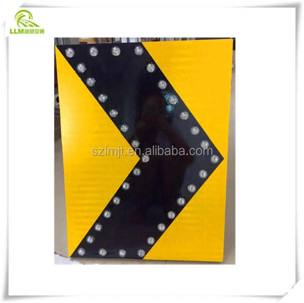 Road Safety warning LED flashing reflective arrow guide Solar power traffic sign