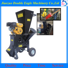 Best quality Industrial 15 hp leaves chipper/diesel engine wood chipper for sale