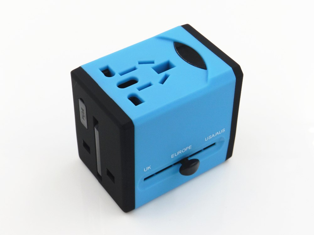 2016 patent apprearance Factory Price Universal Travel Adapter with Dual USB Gobal Conversion Plug and Socket adaptor universal