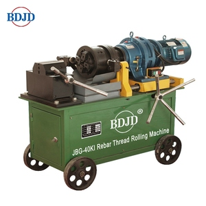 Hydraulic bolt and nut making thread rolling machine