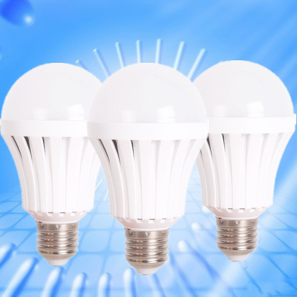 Magic Rechargeable White Lamp Bulb 4 Hours AC/DC LED Emergency bulb Light 5w 7w 9w with intelligent control