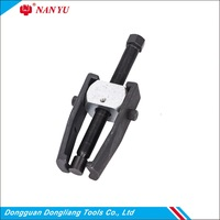 Two Jaw Gear Pulley Arm Bolt Wheel Bearing Puller Car Auto Repair Tool