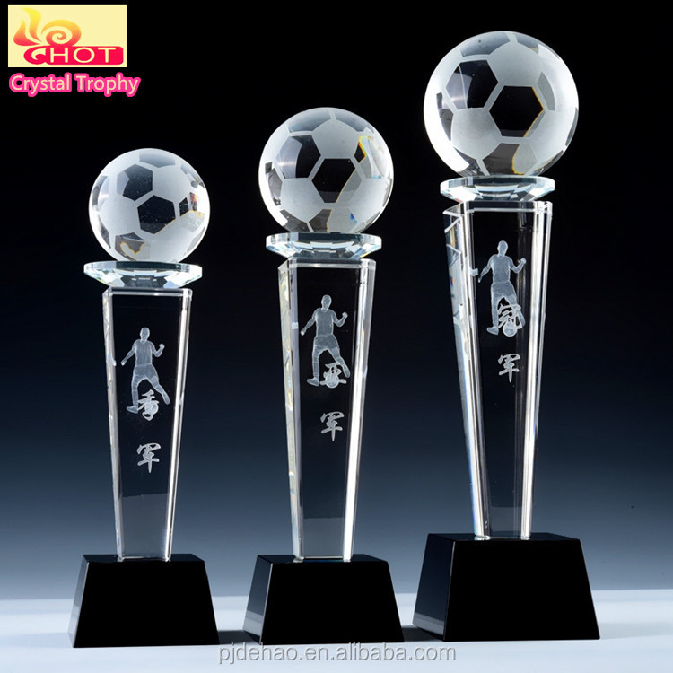 2017 Hot Clear Acrylic Crystal Awards And Wholesale Football Trophy