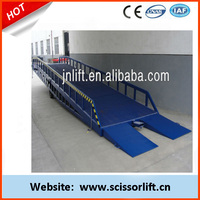 Mobile hydraulic lift for container for sale