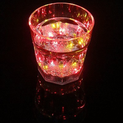 2016 New Mini LED Flashing Plastic Wine Cup for Bar and Parties Club