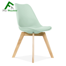 modern cheap leisure plastic tulip dining chair with wooden legs