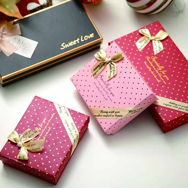 custom packaging sweet paper gift chocolate box insert