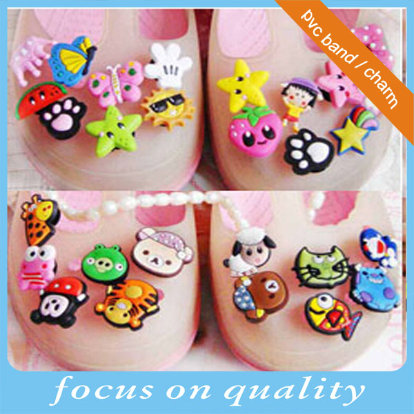 high quality customized lucky charm on wristband 2d shoe ornament2d shoe ornament