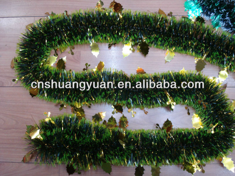 spring tinsel garland with leaf