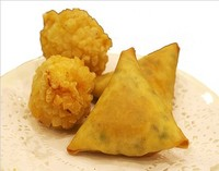 fresh hand-made vegetable Samosa