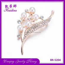 Top fashion breathable rhinestone decorative pearl brooch for wedding invitations