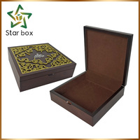 Luxurious wooden tea box black with brown velvet lining, wood grain papers gift box dubai