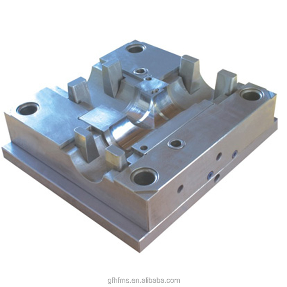 Injection mould for pipe fitting