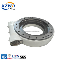 Slewing drive with worm gear reducer for welding robot SE17 with hydraulic motor system