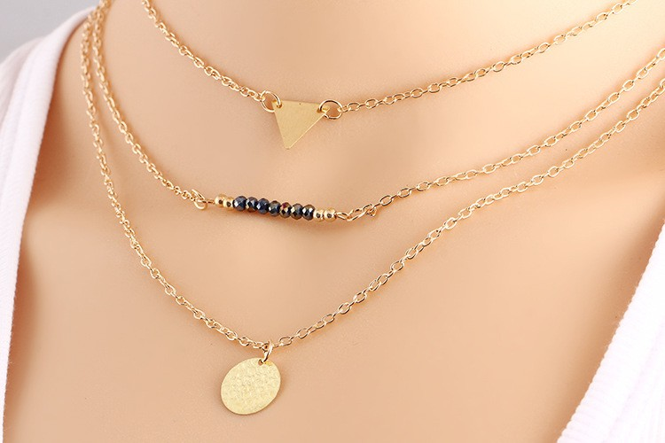 Women Bohemian Jewelry Alloy Pendant Multilayer Short Necklace with Triangle and Disc Pendant