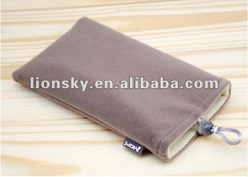 Cell phone hand pouch