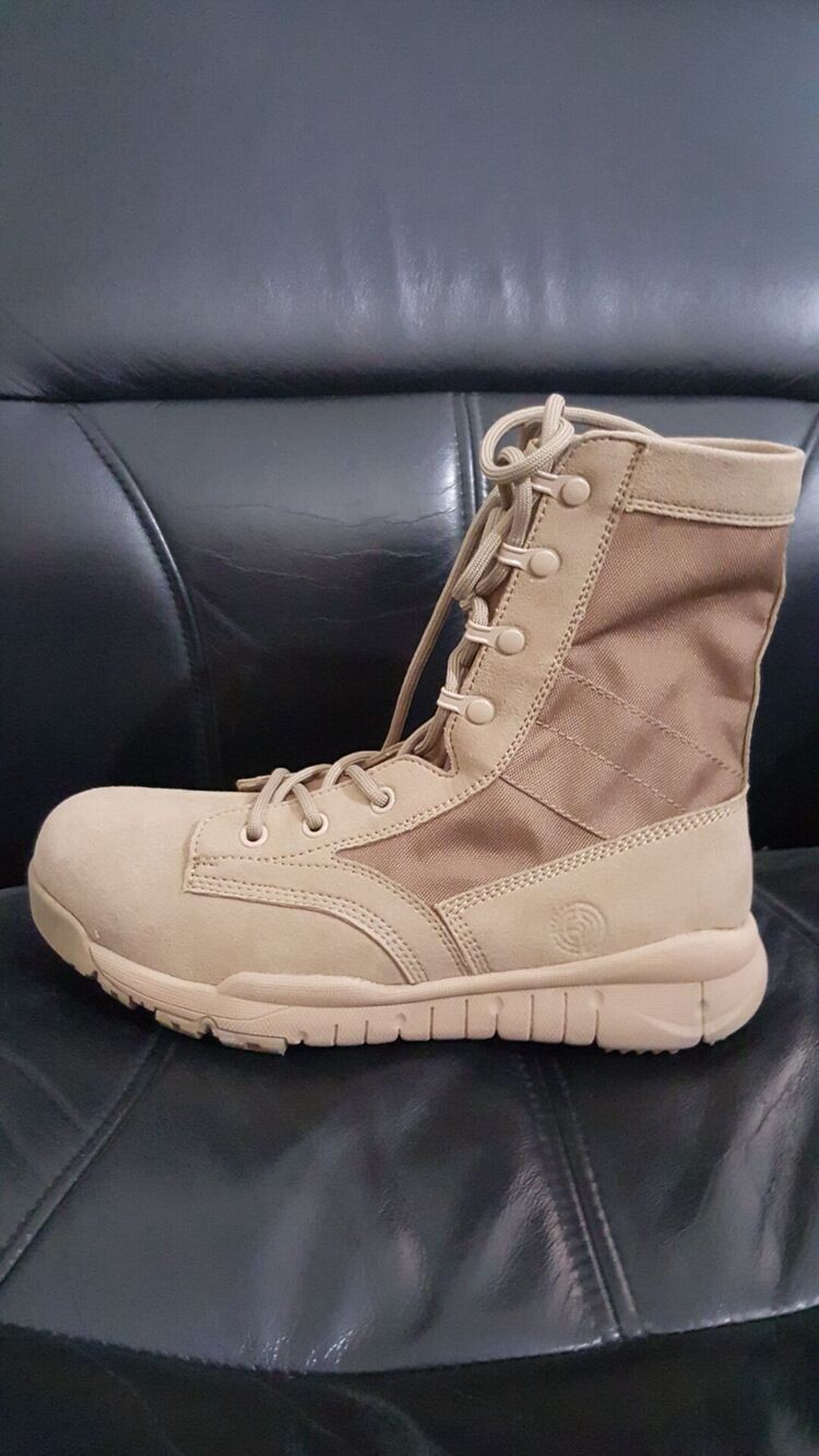 Loveslf Ultra-Light army training boots outdoor military tactical boots