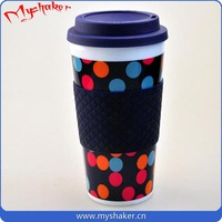 Food grade reusable cheap 400ml plastic water cup with silicone ring