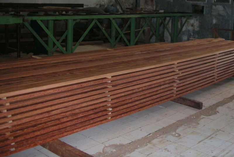 IPE Timber and round log