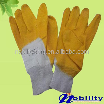 Oil Proof Half Coated Back Cheap Nitrile Glove