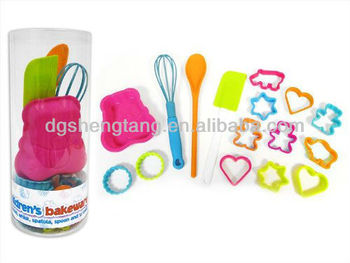 Cook Children's Baking 16 Piece Bakeware Set - Moulds Cutters Spoon Whisk