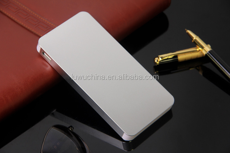 2016 new fashion trend Mini portable universal power bank with customize LOGO